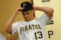 Pirates sign first-round pick Reese McGuire